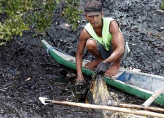 Cebu suffers from heavy oil spill