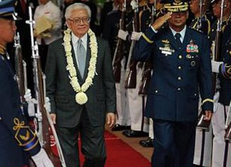Philippines, Singapore step up defense ties