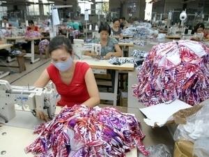 textile worker vietnam