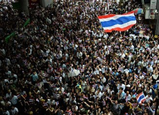 Thailand hit by mass protests – travel warnings out