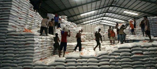 Thai rice problem escalates as stockpiles start rotting