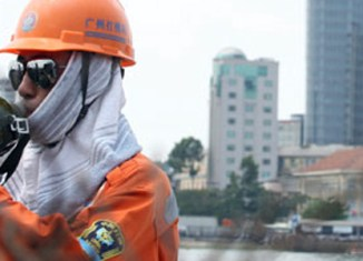 Vietnam cracks down on illegal workers
