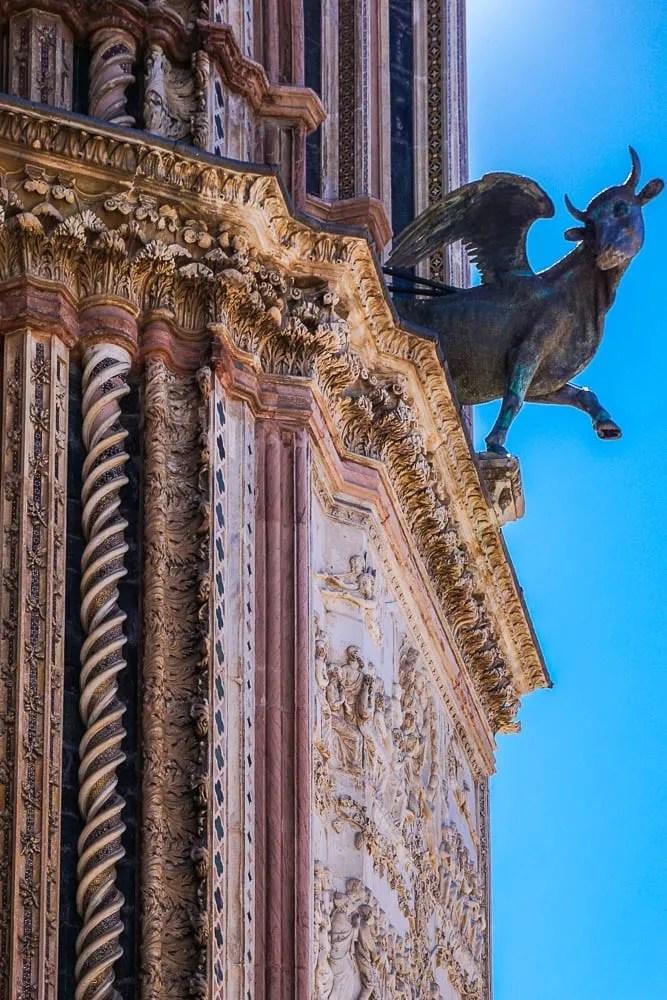 Curiosità facciata Duomo di Orvieto