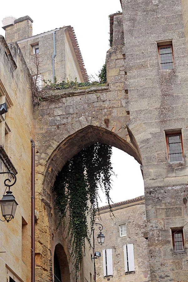 Saint Emilion puerta cadenas