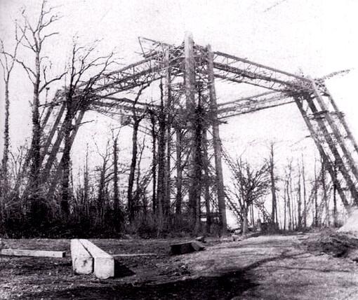 Primeras fotografías de la construcción de la torre Wembley