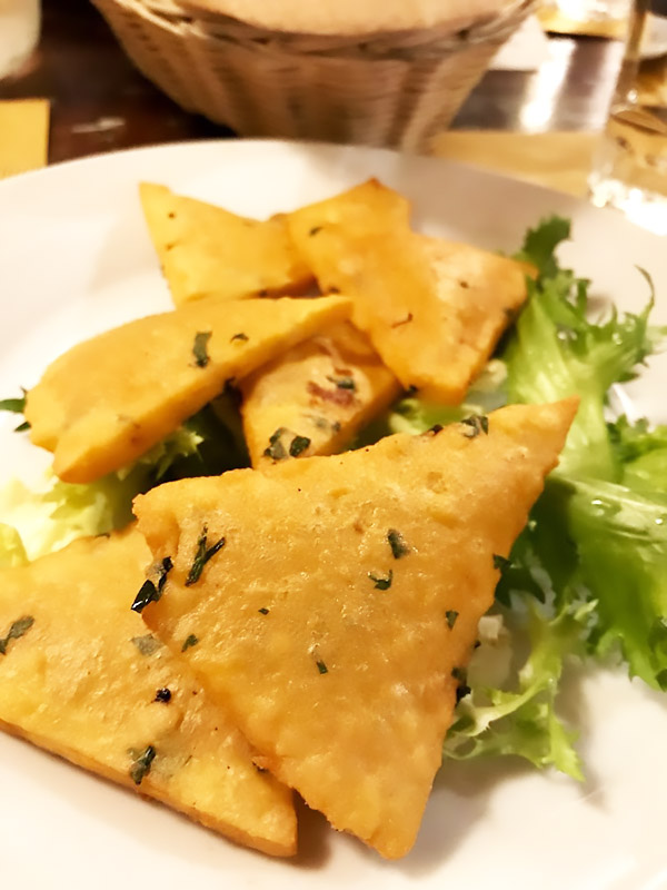 Panele, antipasti tipico de la comida sicilia