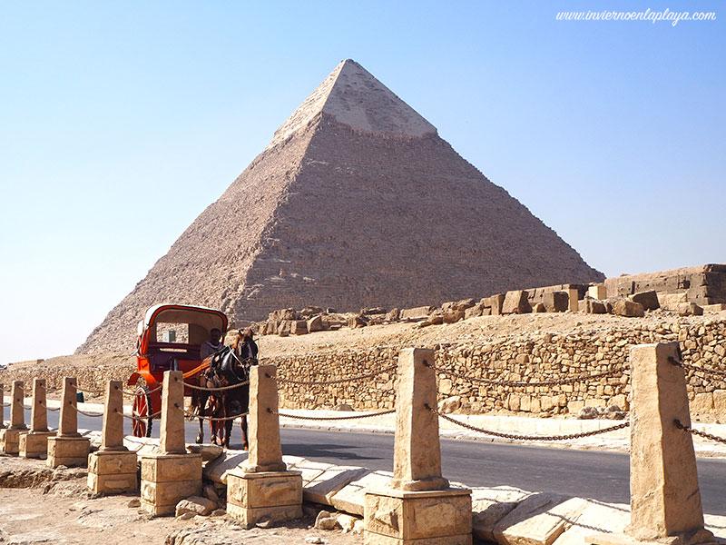 Pirámides de Guiza, imprescindibles en una semana en Egipto.