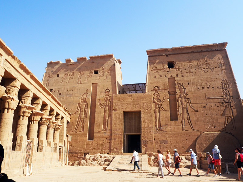 Entrada al templo de Philae.