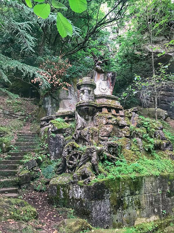 Cementerio de los ingleses. Monumento a los caídos en combate.