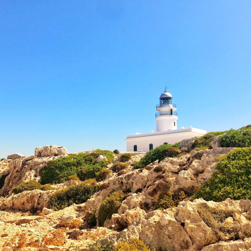 Faro Cavallería, no te lo pierdas en 7 días en Menorca.