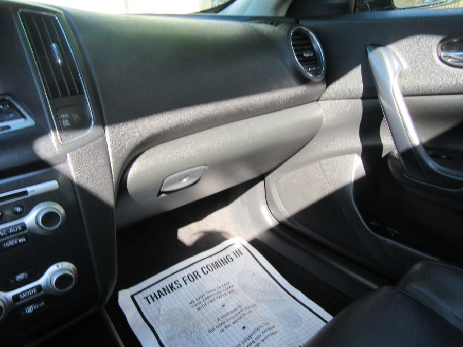 Maxima Nissan Premium Black Package 2014