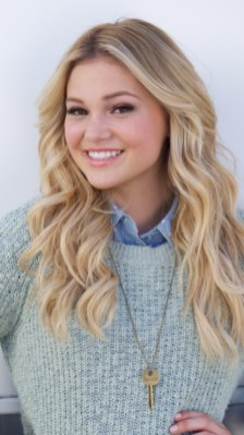 STANDOFF#2 - OLIVIA HOLT - Amy (Olivia Holt) poses for her Class President poster.