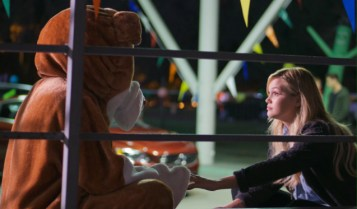 STANDOFF#36 - BO and Olivia Holt - Amy (Olivia Holt) seeks support during the contest from Big Jim's sidekick Bo.