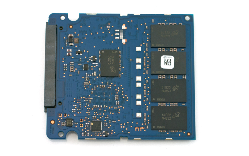 storagereview-crucial-mx300-2050gb-pcb-top