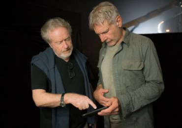 (L-R) RIDLEY SCOTT and HARRISON FORD on the set of Alcon EntertainmentÕs sci fi thriller BLADE RUNNER 2049 in association with Columbia Pictures, domestic distribution by Warner Bros. Pictures and international distribution by Sony Pictures Releasing International.