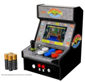 DGUNL-3283_Micro_Player_Street_Fighter_2_Batteries