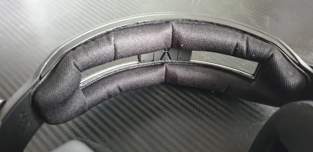 PIC 2 . Headband Cushioning
