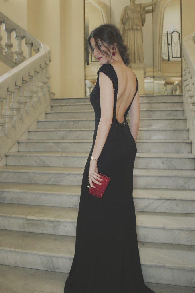 Vestido negro espalda descubierta Pronovias