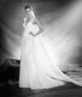 Vestido de novia modelo Odilla de Pronovias 2017