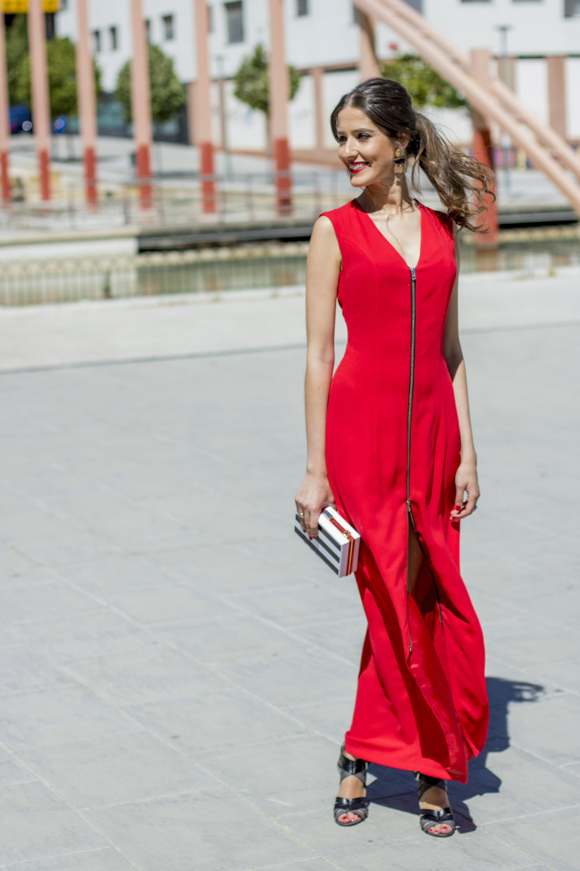 Invitada boda con vestido rojo de Eturiel 10 u2013 Invitada Perfecta by  Sandra 5dad46de4835