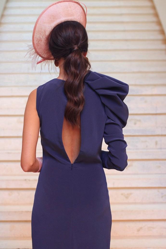 Look invitada de mañana: vestido berenjena | Invitada Perfecta