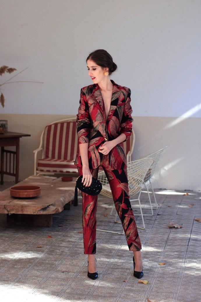 nuevo concepto nuevo estilo grandes ofertas 2017 Look invitada: traje chaqueta con pamela | Invitada Perfecta