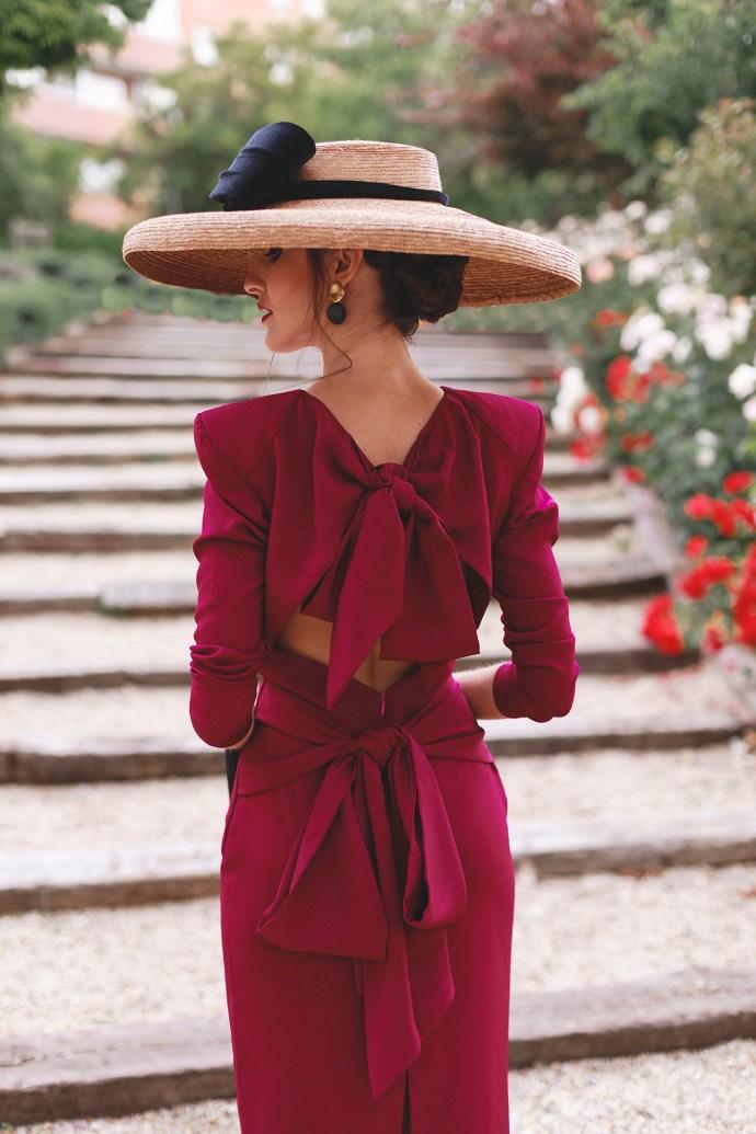 look invitada boda mañana pamela lazo vestido cocktail fiesta ajustados midi espalda