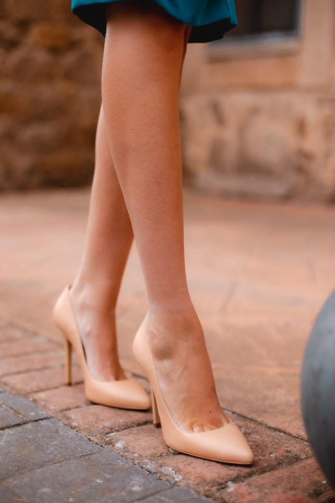 zapatos comodos beuge invitada boda