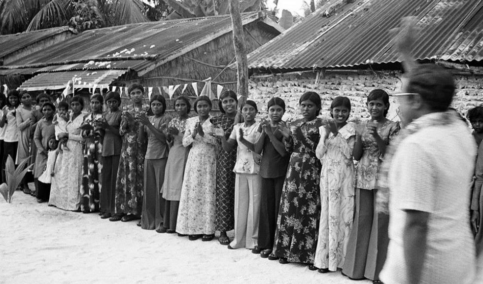4_Maldivian-women2