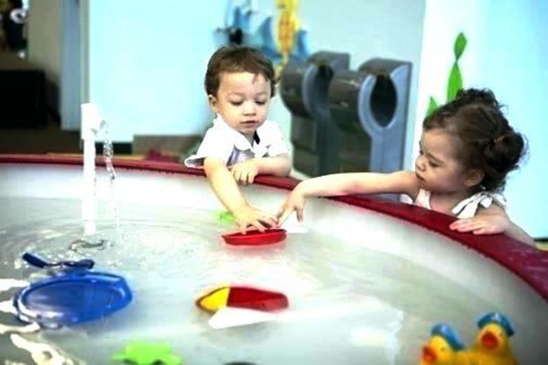 Žaidimai su vandeniu mažyliams