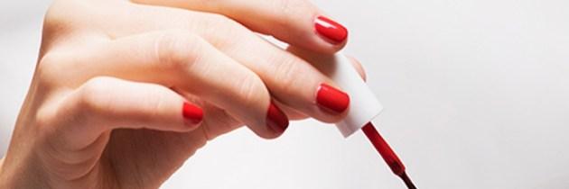 4 trucuri pentru ca să-ți faci unghiile mult, mult mai ușor