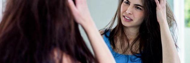 5 măști simple și eficiente pentru părul tern și degradat