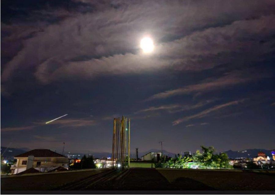 Μετεωρίτης «έσκισε» τον ουρανό της Ελλάδας - Εντυπωσιακό βίντεο -  ioanninabars