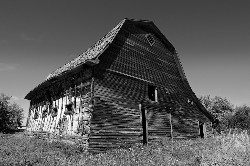 Black and White Barn Photos