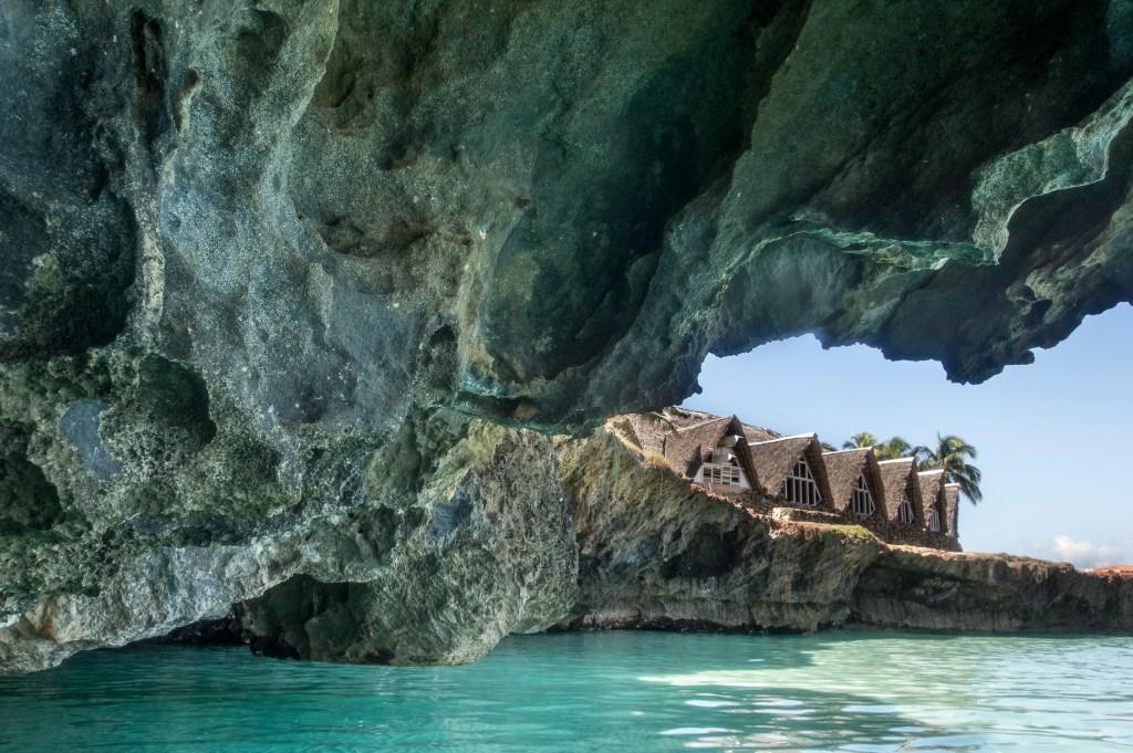 Varadero Cliff Beach Cove