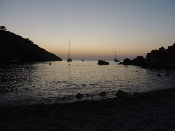 In spiaggia fino a tardi a Cala Molí