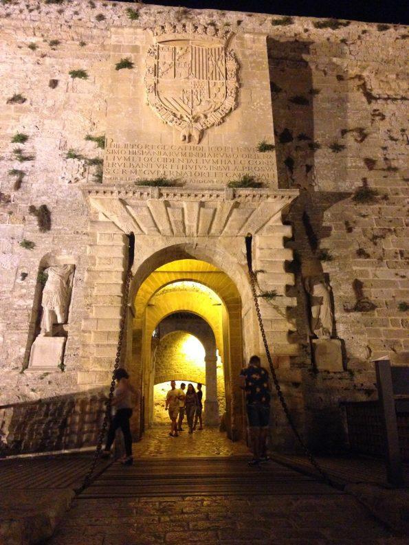 L'entrata al castello
