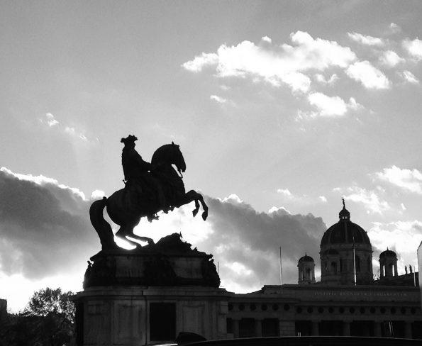 Il tramonto sull'Hofburg