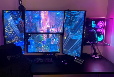4 monitors are enough for this COD gaming and streaming battlestation