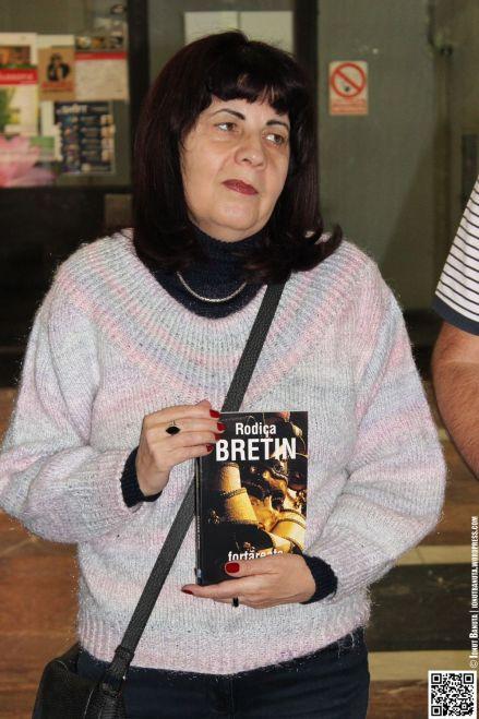 Rodica și cartea ei...