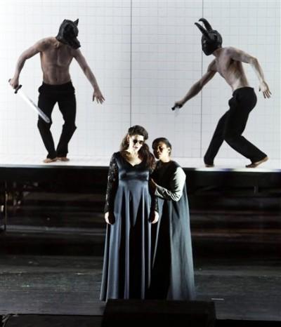 Anja Harteros como Leonora