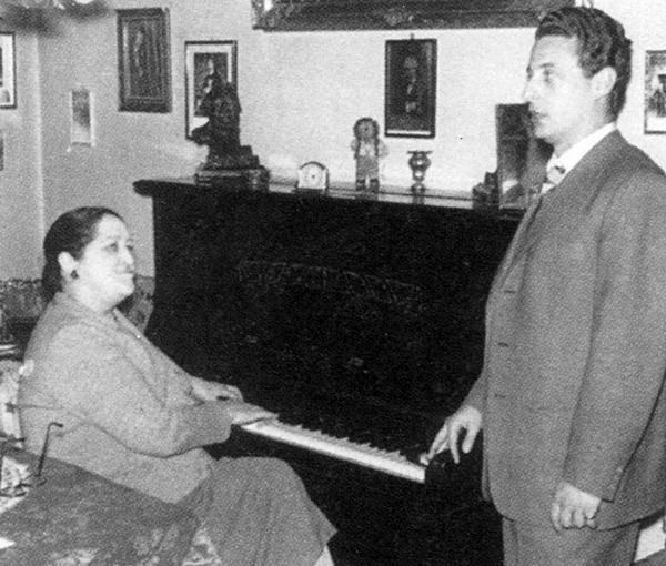 Alfredo Kraus con Mercedes Llopart