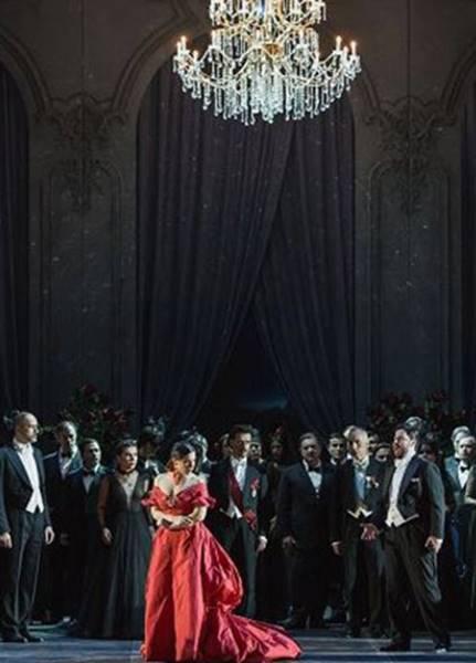 la-traviata-por-sofia-coppola-y-valentino-opera-di-roma-2016-video-iopera