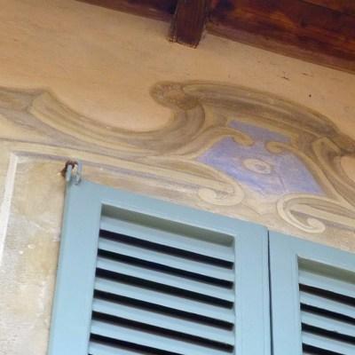 Dettaglio decorativi, rianimati dal recente restauro