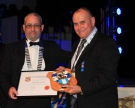 Gavin Hartley with IOQNZ Shield recipient - Warwick Leach