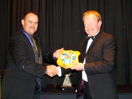George KELCHER (r) Recipient of IOQNZ Award
