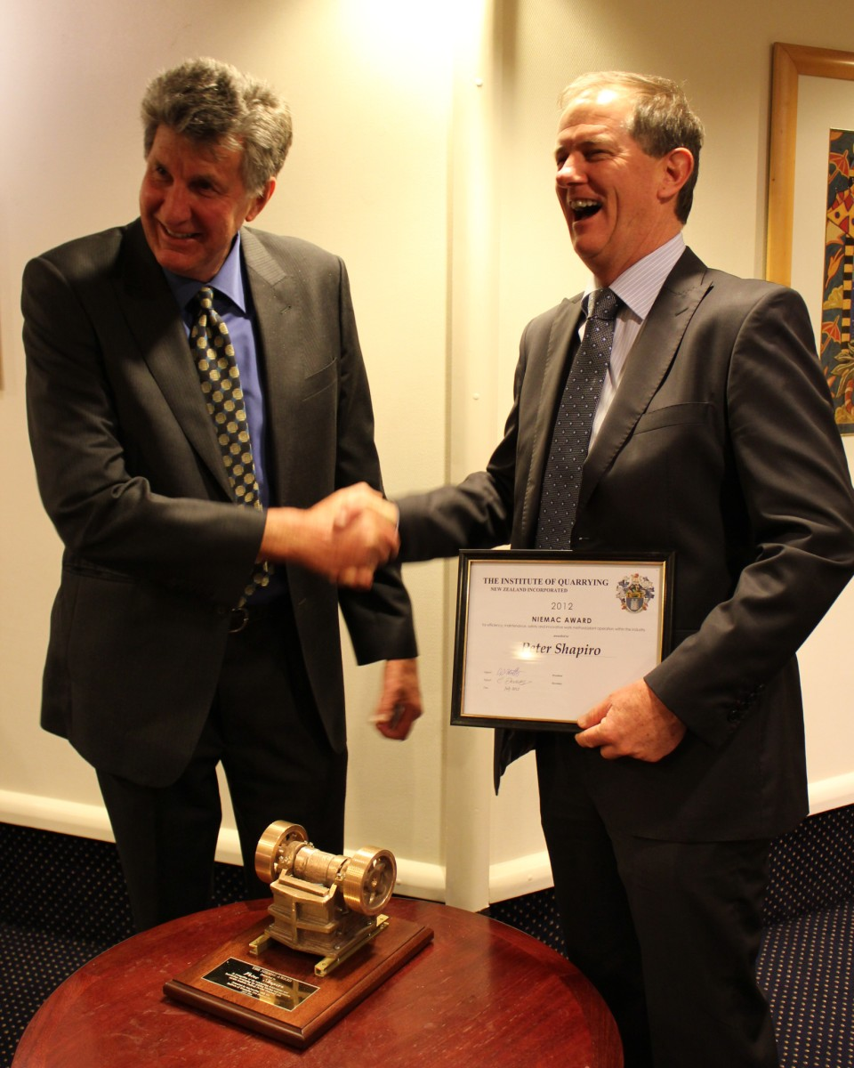 Graham Ferguson (L) presents Redbull Powder Company <strong>Peter Shapiro</strong> with the Niemac Trophy