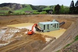 Waikaia dredge (photo ex NZresources.com)