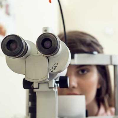 Agujero macular. Enfermedades y tratamientos para los problemas oculares por el Instituto Oftalmológico Recoletas.