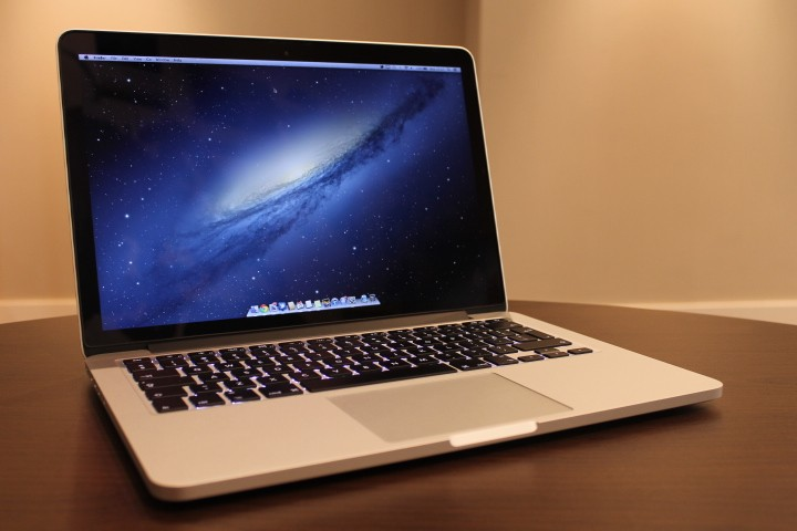 How to quickly turn off Mac's screen without putting it to sleep